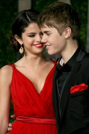 selena gomez and justin bieber kissing. Selena Gomez and Justin Bieber