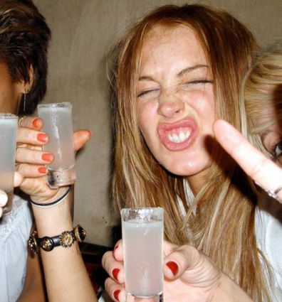 Lindsay Lohan drinking 12 28 10 41 pictures, 0 videos, 0 sounds. Me ...
