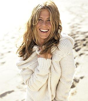 http://www.judiciaryreport.com/images/jennifer_aniston_on_beach.jpg