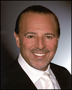 Fake photo - help needed please Tommy-mottola