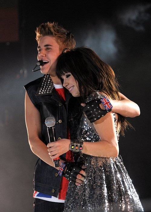 Carly Rae Jepsen And Justin Bieber Kissing