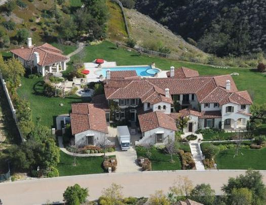 Justin bieber 39 s new home becoming a magnet for fans for Stars houses in la