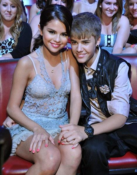 Gomez sex selena 61 Selena
