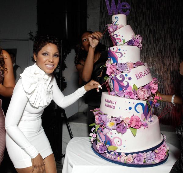 Toni Braxton Wedding.Physically Ill Toni Braxton Antagonized By Her Jealous